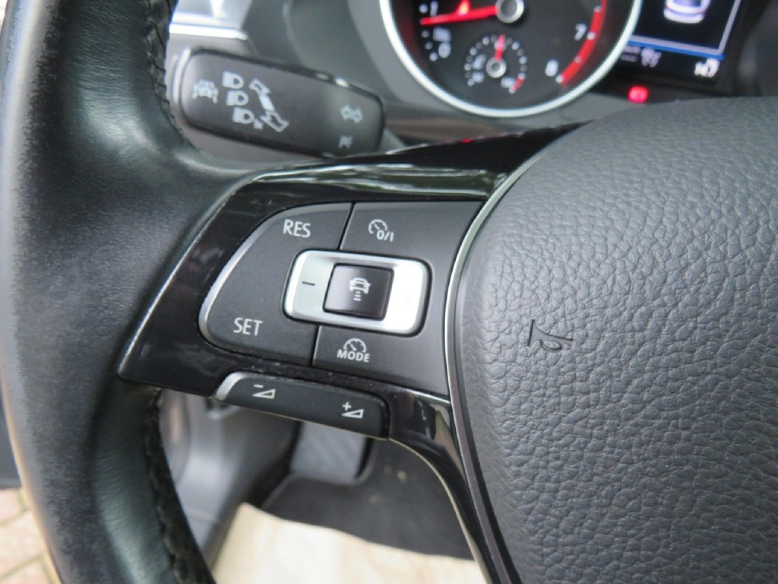Volkswagen-Tiguan-15