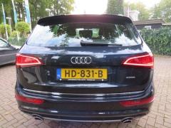 Audi-Q5-4
