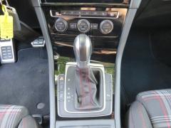 Volkswagen-Golf-15